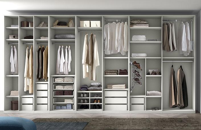 Consigue un vestidor low cost for Armarios de habitacion ikea