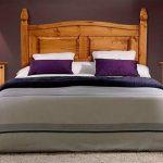 Dormitorio de madera de pino maciza y estilo rustico