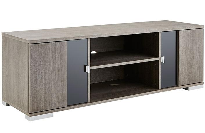 Muebles que no pueden faltar en un piso de soltero for Mueble para tv con puertas
