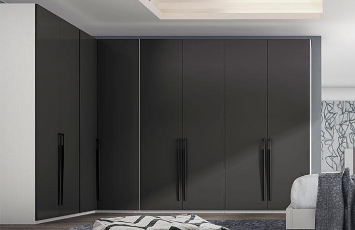 armario esquinero de la siguiente imagen que combina el blanco con el color pizarra sin duda esta pieza de mobiliario es perfecta para un dormitorio - Armarios Rinconeros