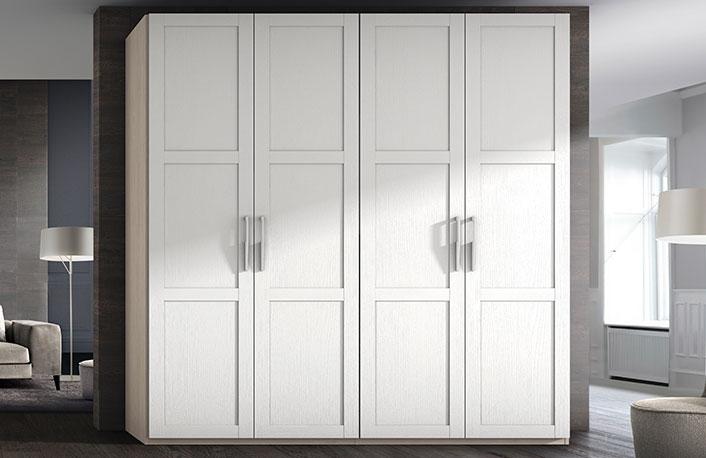 Ventajas y desventajas de los armarios con puertas for Puertas batientes interior